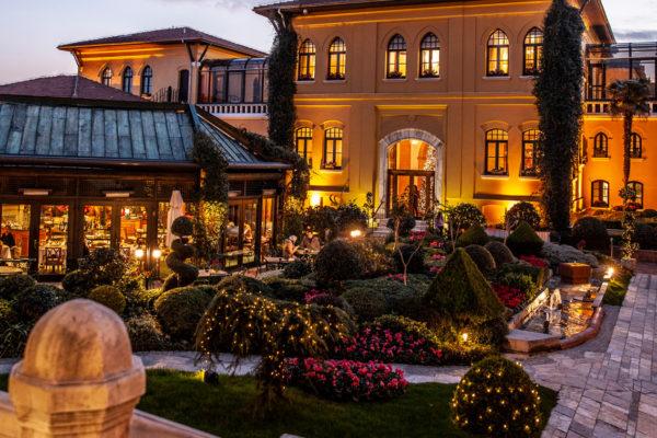 ULUSAL GENÇ ŞEFLER YARIŞMASI'NIN 1.LİK VE 2.LİK ÖDÜLLERİ FOUR SEASONS HOTELS ISTANBUL ŞEFLERİNİN OLDU