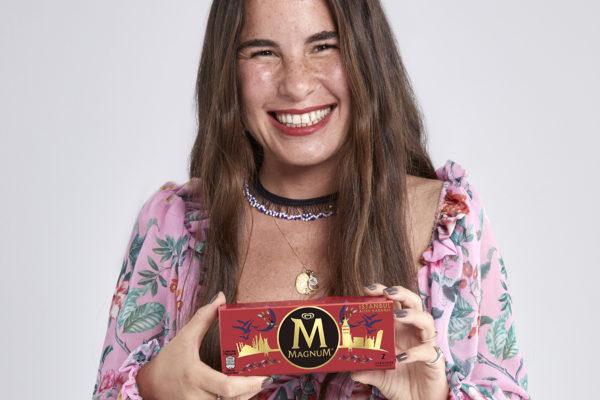 Magnum, İstanbul, Alaçatı ve Bodrumiçin hazırladığı yeni lezzetlerini Moda tasarımcısı Zeynep Tosun, Dövme Sanatçısı Havva Karabudak ve İllüstratör Aykut Aydoğdu'nun sanat çalışmalarıyla kutluyor!