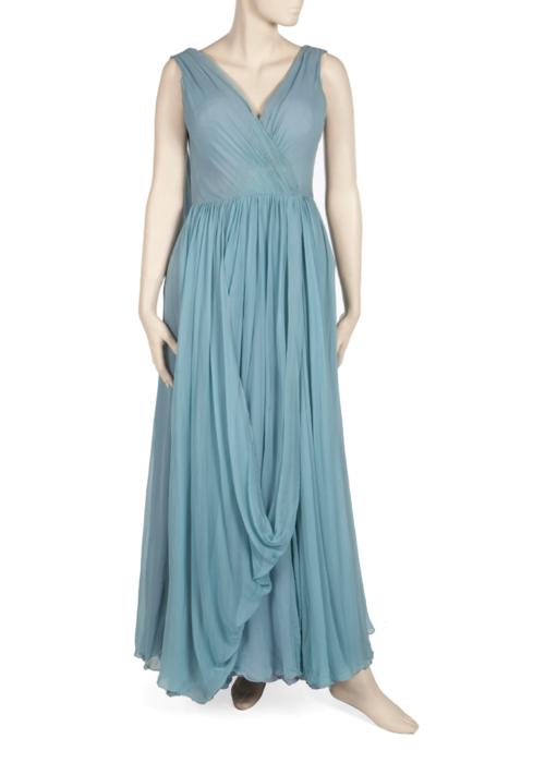 1974 Oscar Töreni'nde giydiği Edith Head marka elbise. ( 4 bin dolar)