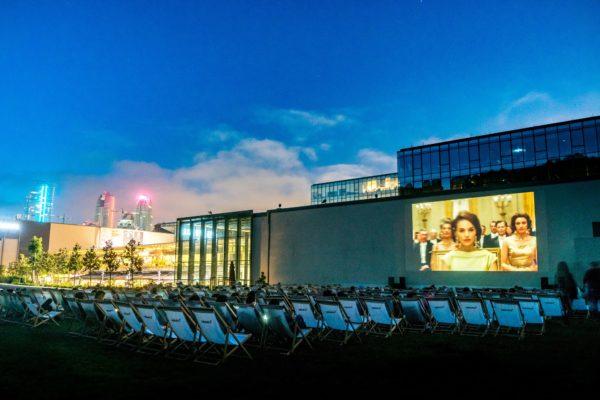 UNIQ Açıkhava Film Festivali ile şehre yaz geldi!