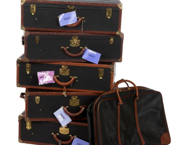 Bottega Veneta bavul (2 bin dolar)