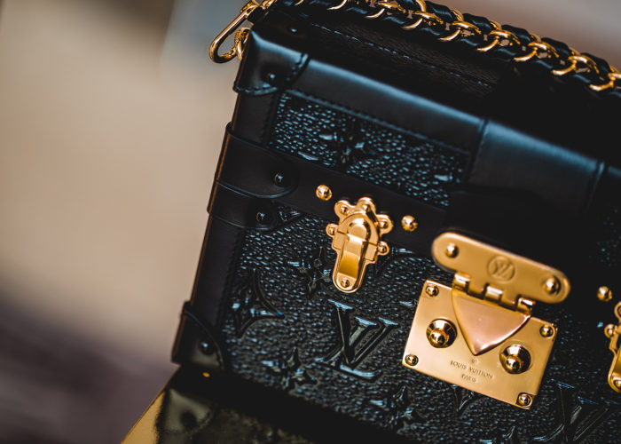 louis-vuitton-fall-winter-collection-closer-look-preview-bags-footwear-accessories-monogram-19
