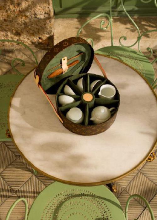 louis-vuitton-luxury-trunks-monogram-capsules-bar-makeup-case-4