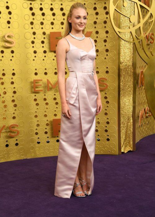 SOPHIE TURNER Elbise: Louis Vuitton
