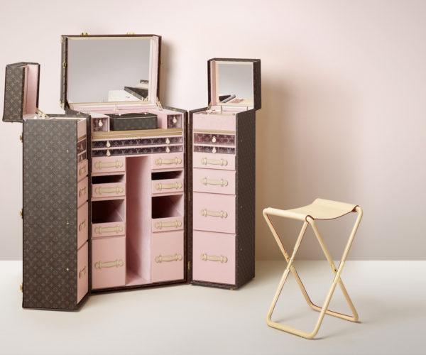 louis-vuitton-luxury-trunks-monogram-capsules-bar-makeup-case-5